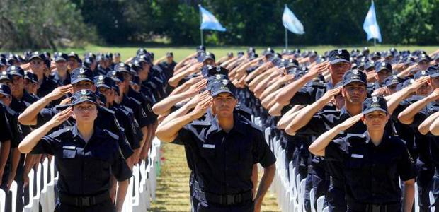 policias-egresados-en-la-escuela-descentralizada-en-rivadavia
